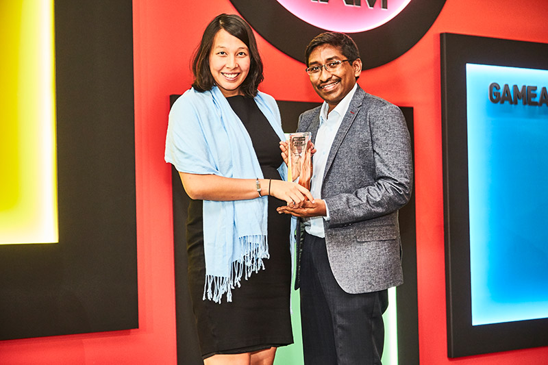 Intel is once again our readers' favorite CPU brand. Hee's Ms. Kim Danker, Intel's PR Manager for SEA, accepting the award.