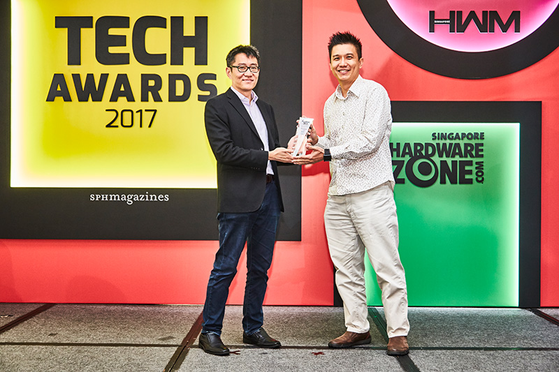 The Readers' Choice award for Best Gaming Graphics Processor Brand goes to NVIDIA. Accepting the award here is Mr. Bertrand Lim from NVIDIA.