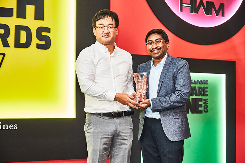 This year's Editor's Choice award for Best Inkjet AIO Printer goes to the HP OfficeJet Pro 8730. The company's Spectre X360 is also the Editor's Choice winner for Best 2-in-1 Notebook. Mr. Park Sang Hoon	, HP Inc.'s country manager for print, is present to accept the awards.