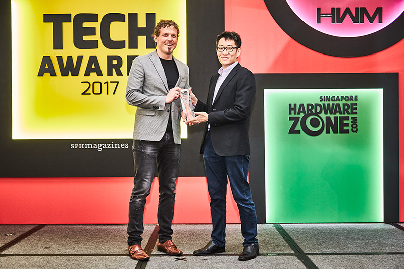 The Readers' Choice for Best Wireless Speakers Brand goes to Sonos. Accepting the award is Mr. Christine Honegger, CEO of Tat Chuan Acoustic.