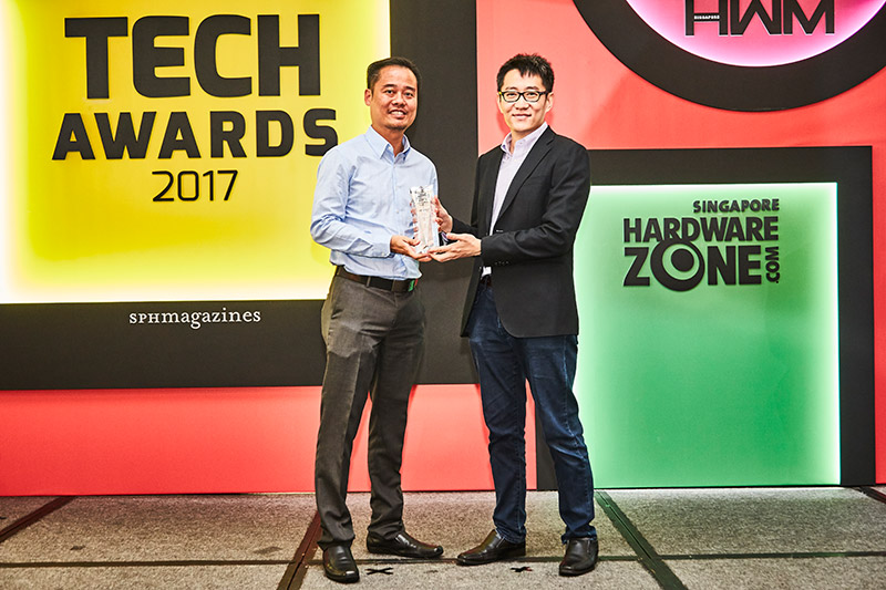 The NEC MC331W wins the Editor's Choice award for Best Business Projector. Here's Mr. Jeremy Lim, Sales Manager for NEC, accepting the trophy.