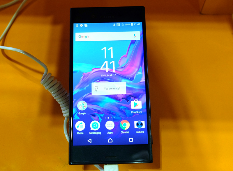 The Sony Xperia XZ boasts a Qualcomm Snapdragon 820 processor, an IP68 dust and water resistance build, and a 23-megapixel 1/2.3-inch f/2.0 rear camera. Pick it up from M1's booth for S$198 when you sign a Reg contract ($62/month) and get a free Clear Cover.
