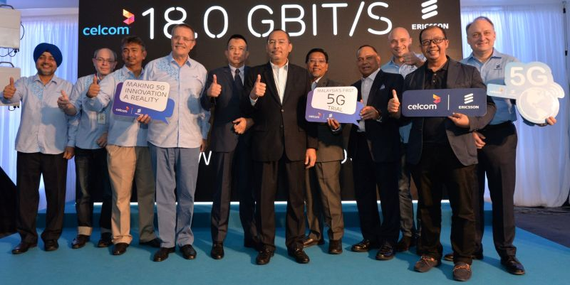 From L-R: Amandeep Singh, Chief Technology Officer, Celcom; Azwan Khan Osman Khan Deputy Chief Executive Officer, Business Operations, Celcom; Azizee Abdul Aziz, Head, Network Planning & Engineering, Celcom; Michael Kuehner, Chief Executive Officer, Celcom Axiata Berhad; Y.B. Dr. Abang Azhari bin Abang Hadari, MCMC Commission Member; Y.B. Dato' Jailani Johari, Deputy Minister of Communications and Multimedia; Y.B. Dato Ali Hanafiah, Chief Officer, Communications and Digital Ecosystem, MCMC; YBhg. Datuk Haji Md. Afendi bin Datuk Haji Hamdan, MCMC Commission Member; Todd Ashton, Head of Ericsson Malaysia & Sri Lanka; Zainal Abidin Sabran, Head, Network Quality and Experience Management, Celcom; and Dr. Magnus Ewerbring, Chief Technology Officer, Ericsson APAC.