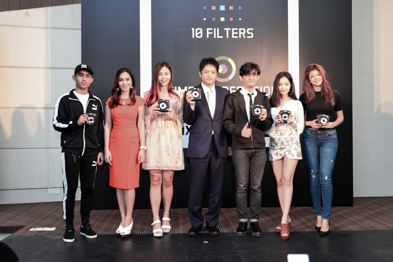 Yoshitaka Nakamura (fourth from left), Managing Director, FUJIFILM Malaysia, along with celebrities and key opinion leaders, at the launch earlier today.