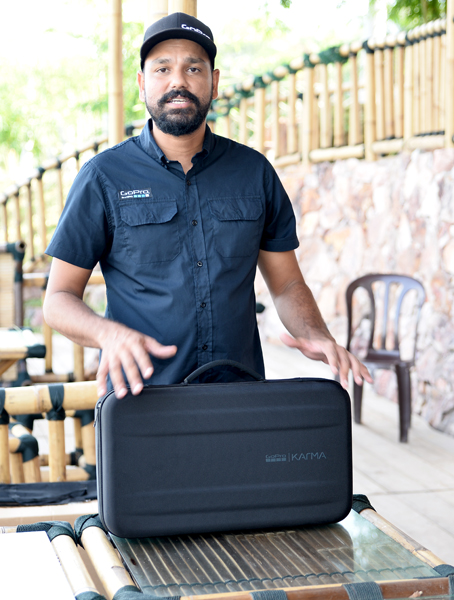 Sangeet Singh from FunSportz, the official distributor of GoPro products in Malaysia, walked us through what's included in the GoPro Karma bundle.