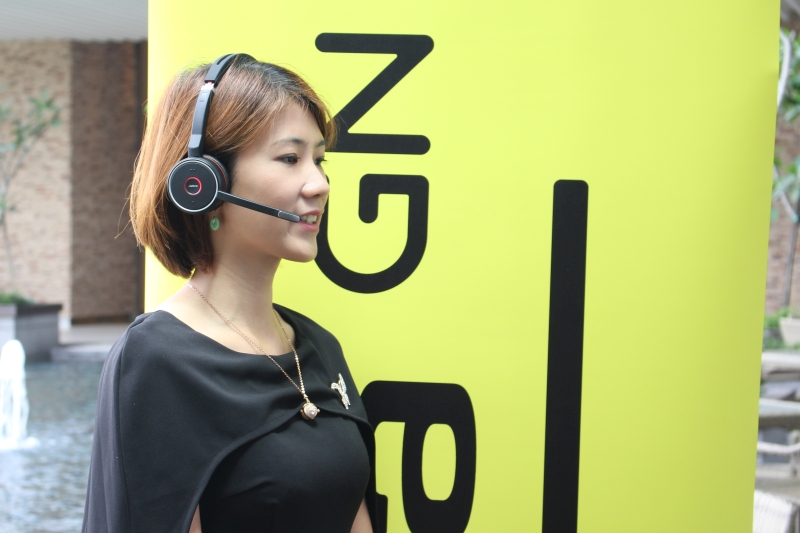 Gladys Kong, Country Manager for Malaysia and Brunei, Jabra with the Evolve 75 headset.