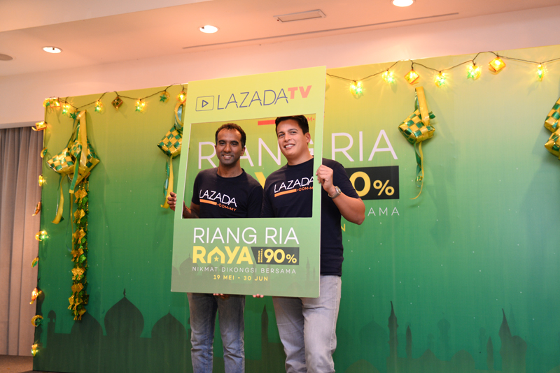 (From Left to Right): Andrew Gnananatham, Chief Marketing Officer of Lazada Malaysia; and Hans-Peter Ressel, CEO of Lazada Malaysia.