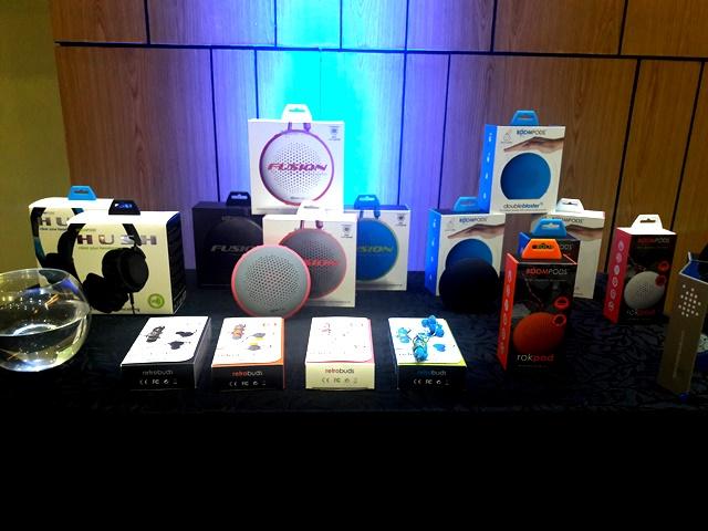boompods, bluetooth speakers, wireless earphones, globe