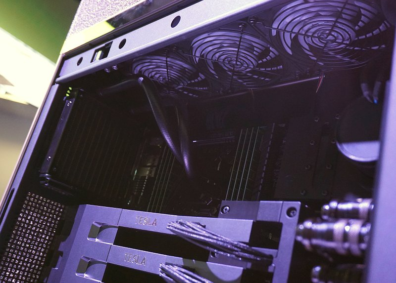 You can better see the water cooling kit's radiators and coolers from this view.