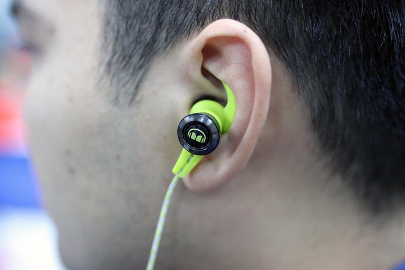 The Monster iSport Victory fits comfortably thank to the ear SecureFit Sportclip ear hooks.