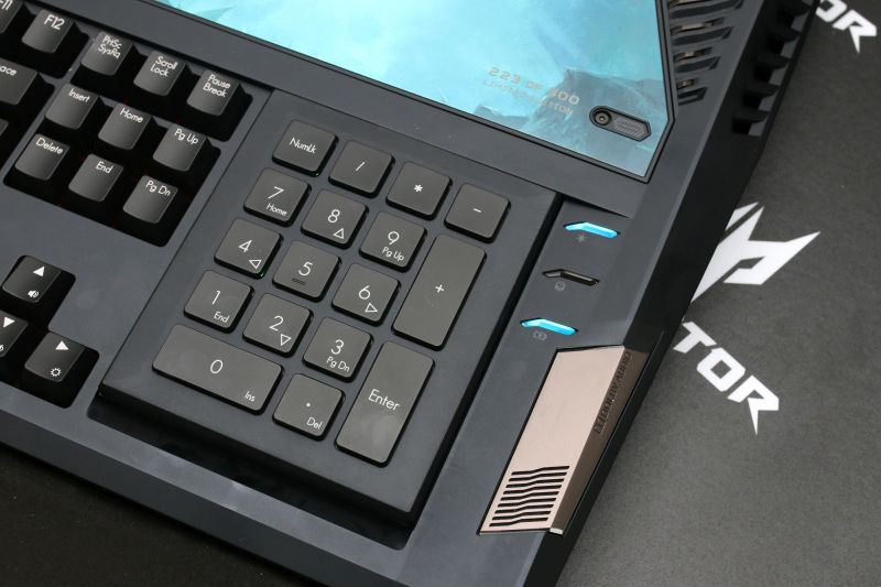 The Predator 21 X has a detachable numeric keypad that can be flipped over to be used as a trackpad.