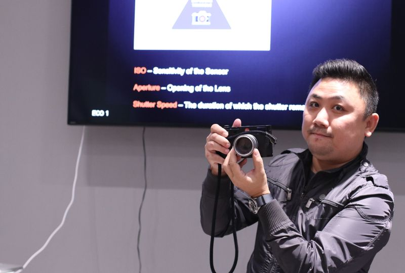 Calven Lim, a well-known photographer and long time Leica user, was one of the speakers at Huawei's Masterclass sessions.