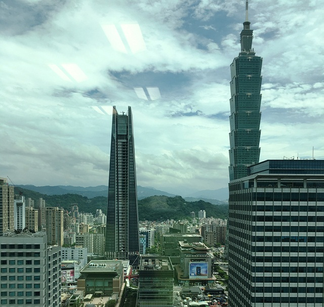 moshi, computex 2017, bags, travel, satchels, philippines, fashion week, vacanza, urbana, costa, lula, taipei 101, cathay landmark, nanshan plaza
