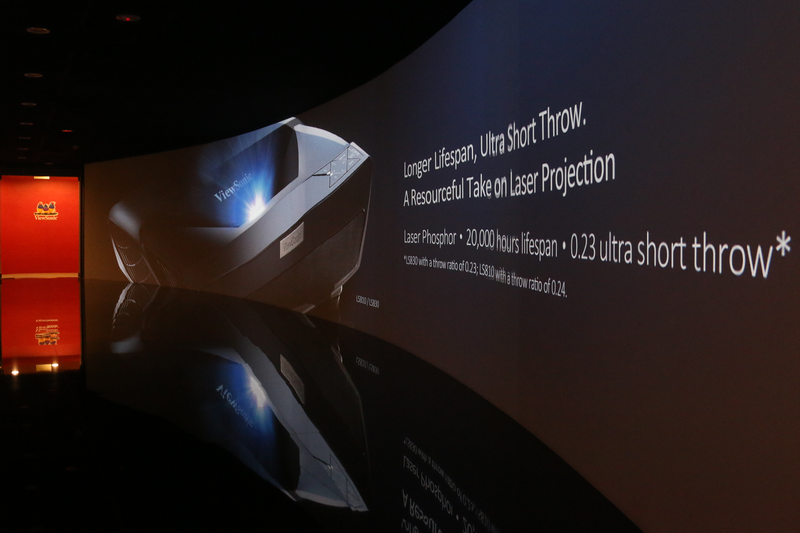 Visitors entering the ViewSonic Experience Center will first be greeted by this massive panorama display. The seamless images are beamed to the curved wall from a combination of eight Pro10100 DLP projectors, thanks to their edge blending capabilities.