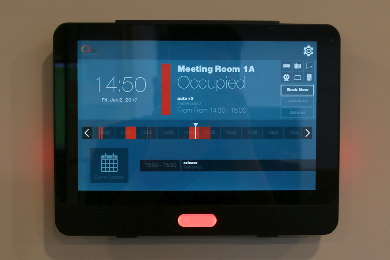 During the tour, we were shown a wall-mounted panel that receives power and information using the one-wire Power over Ethernet (PoE) technology. The pre-production unit teased a few use cases, such as the ability to reserve meeting rooms, play music, and take a photo with its front camera.