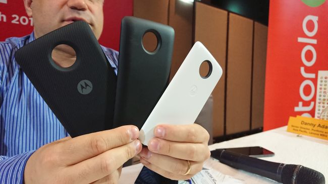 The Moto Mods that provide versatility to the Z2 Play.