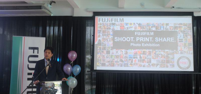 Yoshitaka Nakamura, Managing Director, FUJIFILM Malaysia, talking about the photo exhibition.