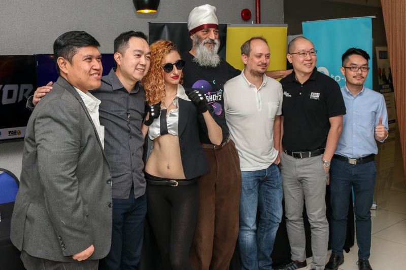 From L-R: Hasnul Hadi Samsudin, Director of Creative Content & Technologies Division, MDEC; Michael Chung, Head of Games, Digi Telecommunications Sdn Bhd; Karamjit Singh, Chief Executive Officer of Digital News Asia; Andre Stiegler, Studio Manager, Codemasters Studios Sdn Bhd; Tan Chin Ike, Head of School of Computing and Creative Media, KDU University College; and Daric Hong, E-Commerce Development Manager. TP-Link Distribution Malaysia Sdn Bhd during the HotShotz 2017 press conference earlier today.
