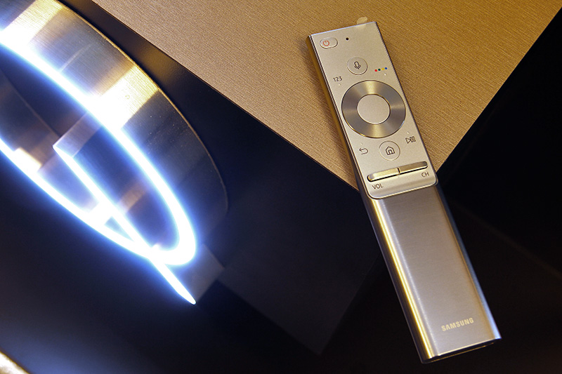 The smart remote for Samsung's flagship TVs is clad in metal this year.
