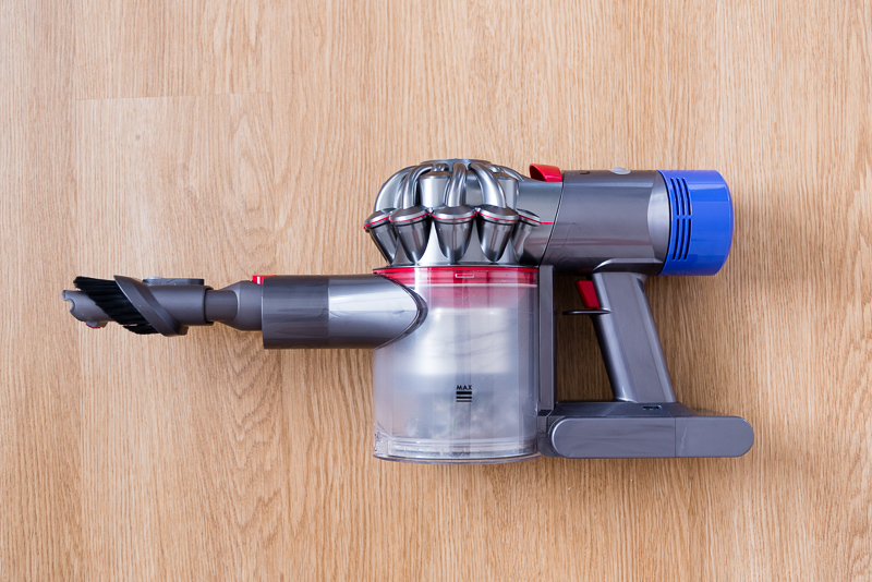 I used a S$999 Dyson V8 vacuum cleaner for a month  This is