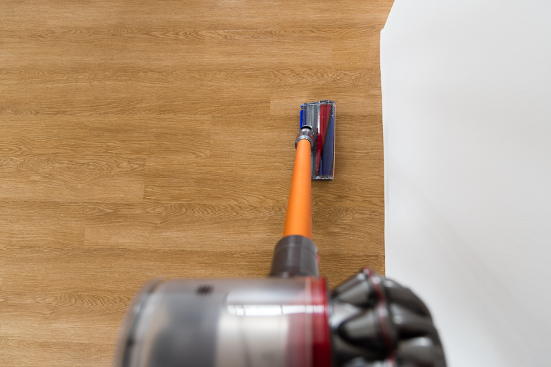 The soft roller cleaner head swivels around smoothly, making it easy to get the corners.