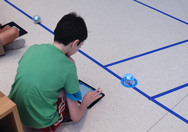 The trick to completing the last mission is to input the correct bearings for the Sphero to navigate the zigzag course.