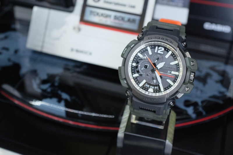 The G-Shock Gravitymaster GPW-2000 is the world's first Bluetooth-equipped and solar-powered GPS Hybrid Waveceptor watch.