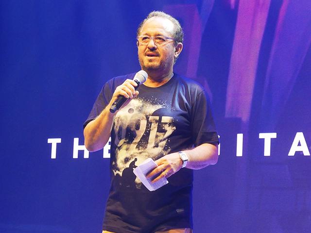 Albert De Larrazabal, Chief Commercial Officer of Globe Telecom