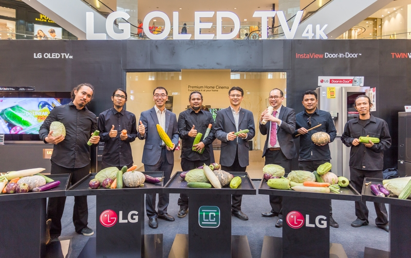 LG Malaysia representatives with members of the Malaysian Buskers Club, who gave a musical performance using vegetables as instruments. This was made possible by LG's Inverter Linear refrigerators and Hygiene Fresh+ filtration system.