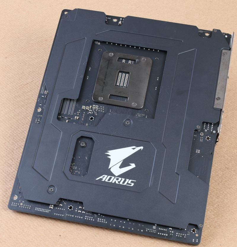 Check out the backplate on the motherboard, along with the AORUS insignia.