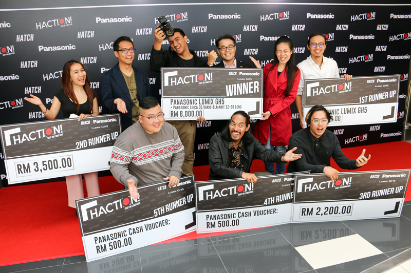 From L-R: (front row) Dexter Lo ('Big Tea Rice'); Zul Luey ('Unsunk Heroes'); and representative for Aliff Zulkifli ('Merdekaku') <br> (back row) representative for Amanda Nell Eu ('Fu Xin De Ren'); Ahmad Izham Omar, Chief Executive Officer, Primeworks Studios; Sherwynn Victor ('Aku Masih Ingat'); Hiroyuki Muto, Deputy Managing Director of Panasonic Malaysia; Low Ngai Yuen, Malaysian film director and actress; and Wong Sai Meng ('Pride').