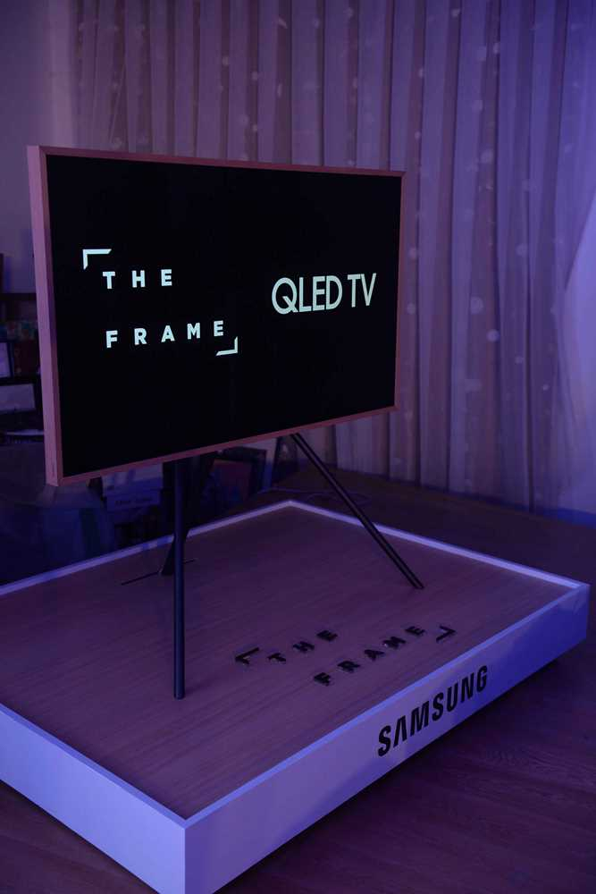 samsung launches the artsy frame tv. Black Bedroom Furniture Sets. Home Design Ideas