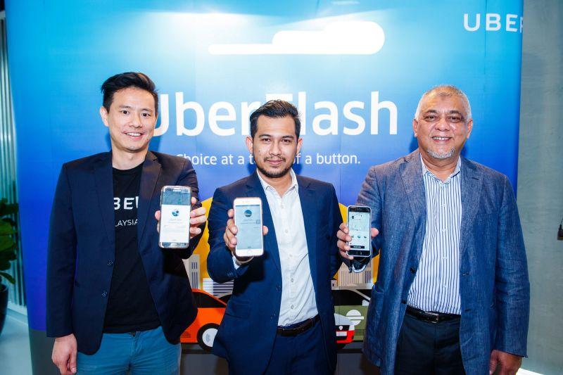 From L-R: Warren Tseng, General Manager, Uber Singapore and Malaysia; Wan Md Hazlin Agyl Wan Hassan, Head of Taxi, Suruhanjaya Pengangkutan Awam (SPAD); and Dato' SM Shalahuddin SM Amin, President, Gabungan Pengusaha Teksi Semenanjung.