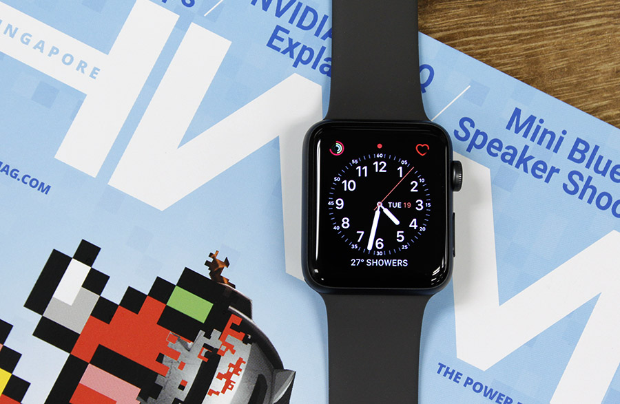 The Apple Watch Series 3 looks a lot like its predecessor.
