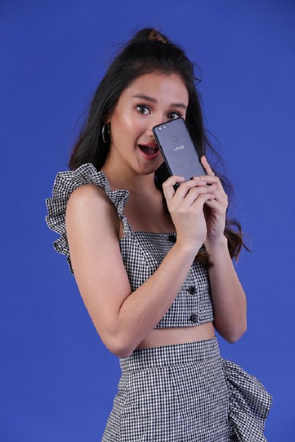 chienna filomeno, vivo, vivo v7+, smartphone, bokeh effect, selfie expert, perfect selfie, oppo, special face beauty 7.0, bangkok, thailand, mall tour