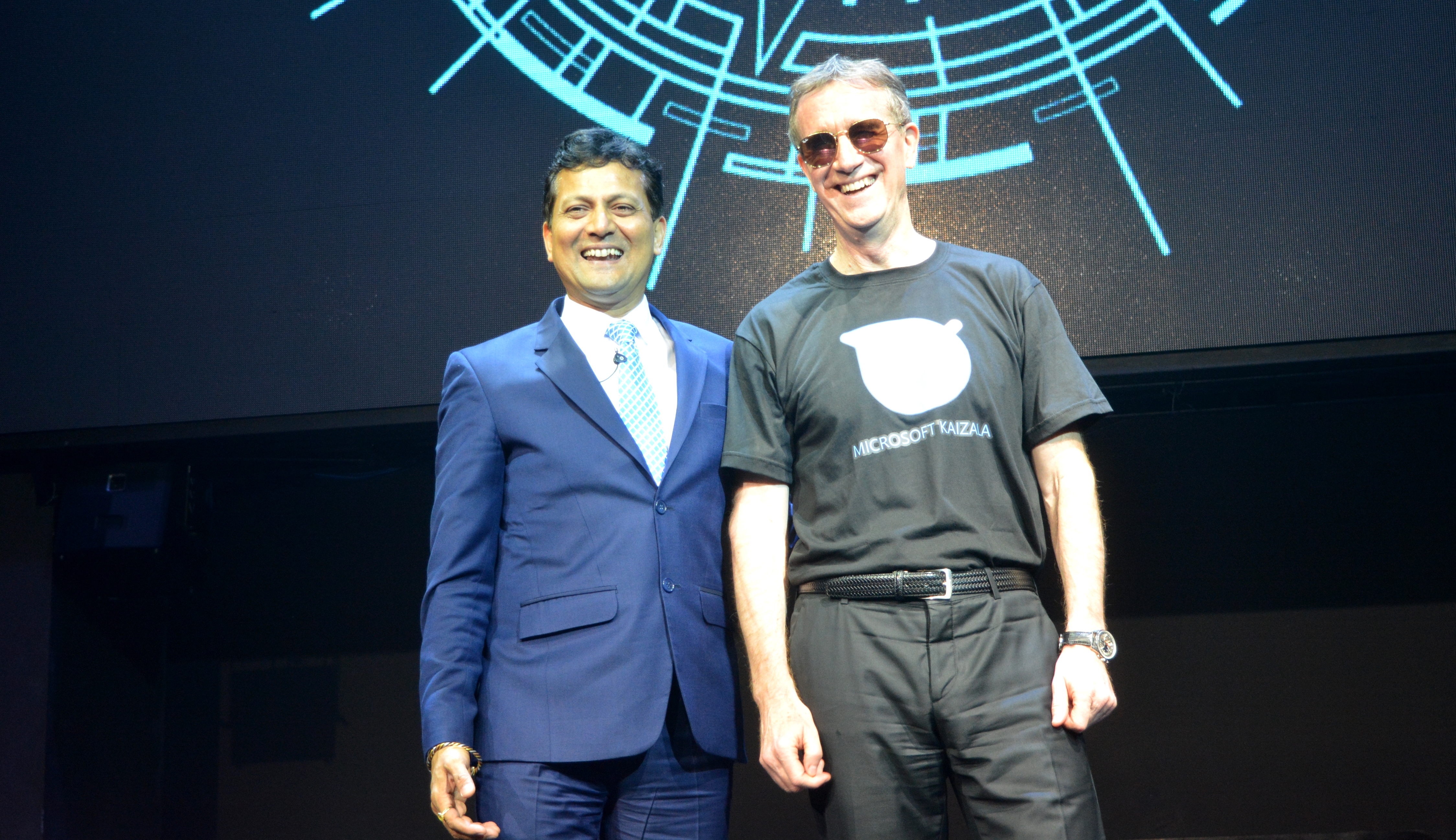 Rajiv Kumar, Corporate Vice President of the Microsoft Ofiice India and Bertrand Launay, Managing Director of Microsoft Philippines.