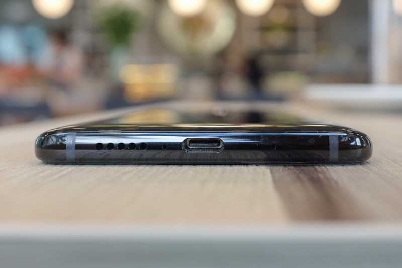 The speaker grille of the Mate 10 next to its USB Type-C port. The earpiece of the Mate 10 doubles as a speaker, too.