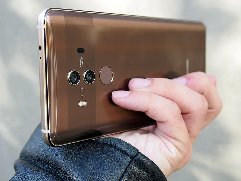huawei 10 pro price. with the huawei mate 10, came its bigger, edge-to-edge sibling: 10 pro. as promised at unveiling event, pro is a super-sized price s