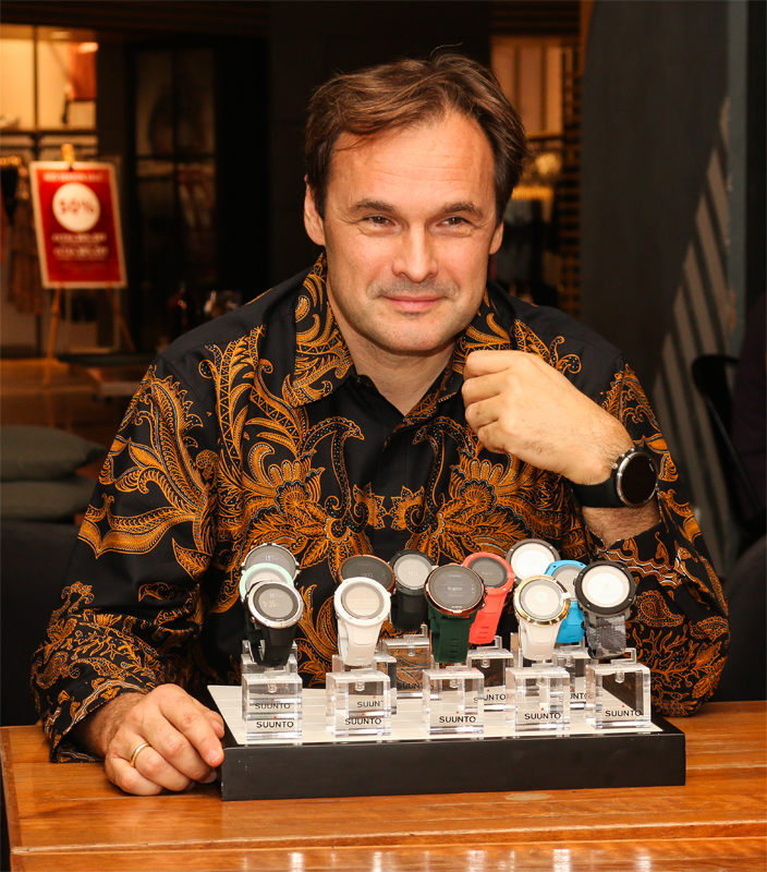 Gennady Jilinski, the General Manager of Suunto, was in town today to walk us through the new features on the Spartan and Traverse Alpha multisport GPS watches.