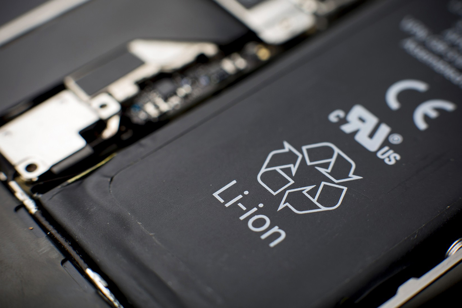 Lithium-ion batteries in your smartphone could soon be replaced by faster charging asphalt-based Lithium batteries.