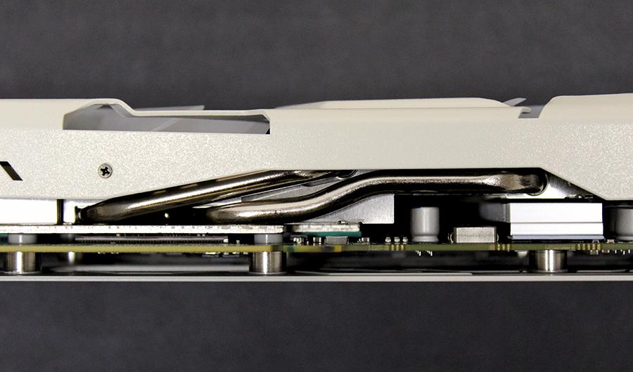 Chunky heat pipes draw heat away from the GPU core.