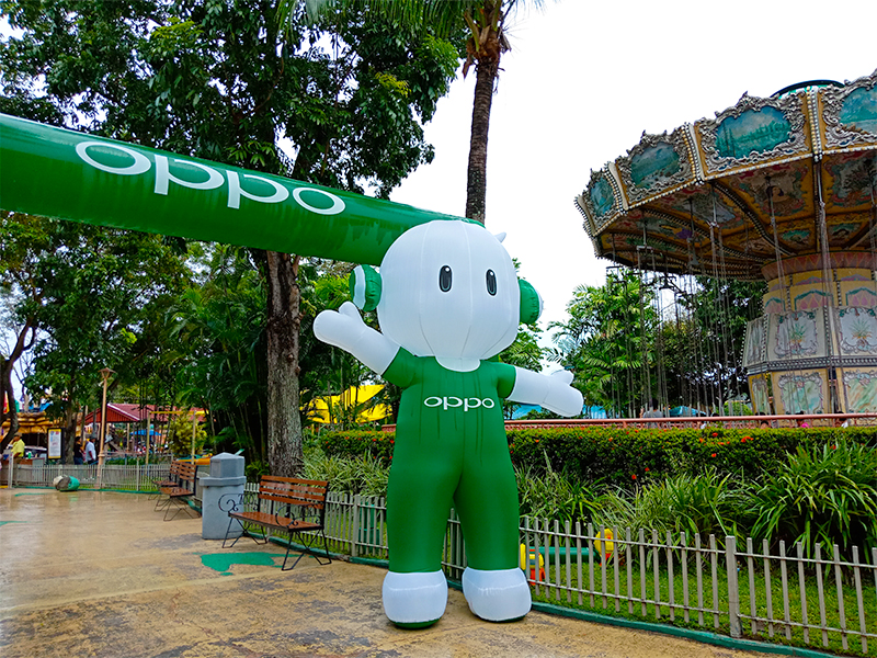 OPPO's Ollie in Enchanted Kingdom to celebrate #NationalSelfieDay!
