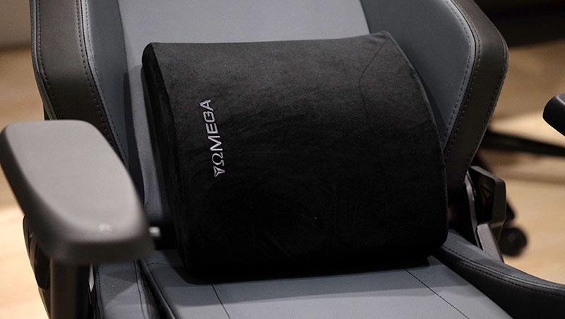 Secretlab Omega 2018 memory foam pillow