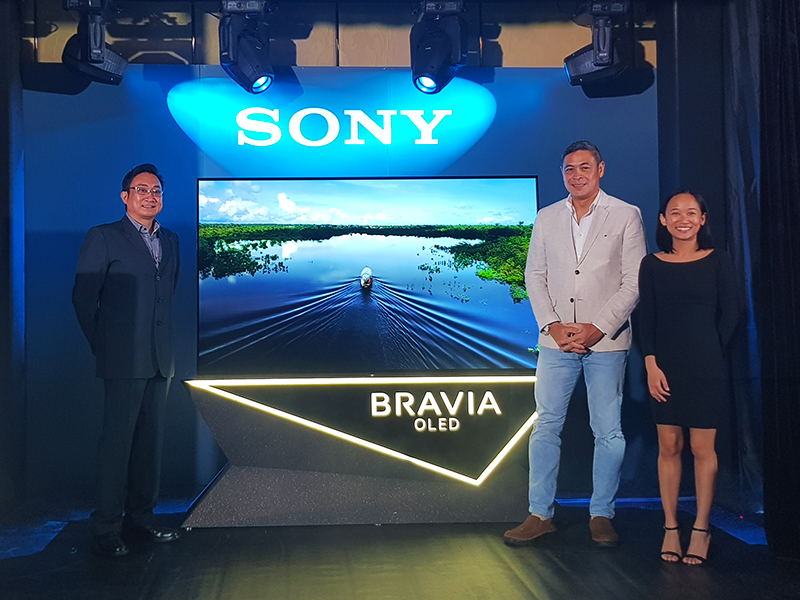(from left) Sony Philippines Senior Director from Brand and Customer Communications Division Alvin De Vera, Sony Philippines Brand Ambassador Anthony Pangilinan, and Sony Philippines Senior Marketing Officer for Sony BRAVIA Coycoy Cordova