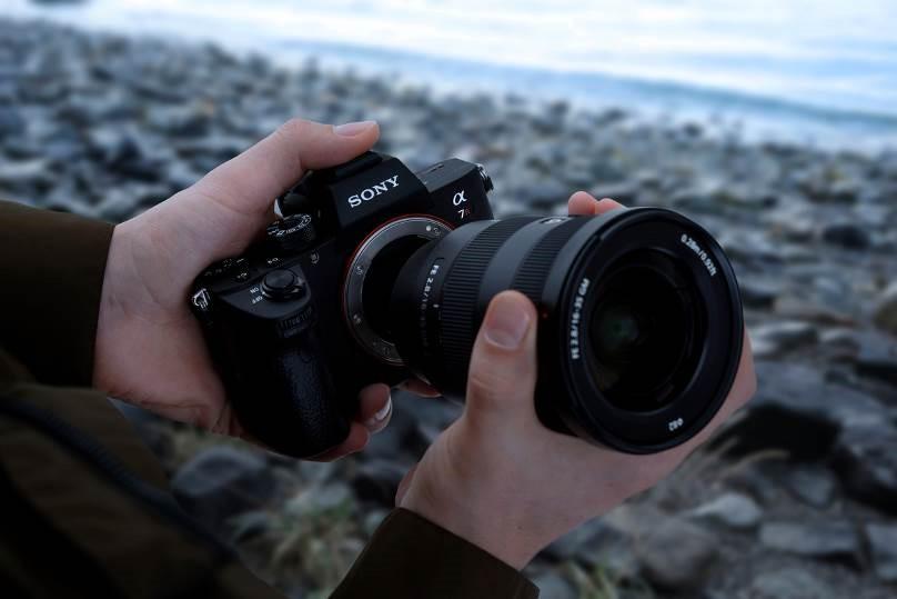 sony, e-mount, a7r iii, exmor r, cmos sensor, sel2470gm, sony centers, lens, mirrorless camera