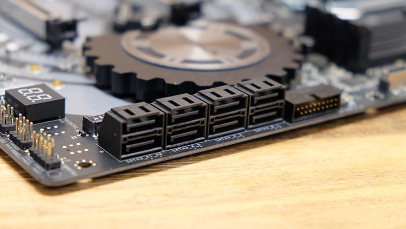 ASRock Z370 Taichi : Intel Z370 motherboard shootout: New