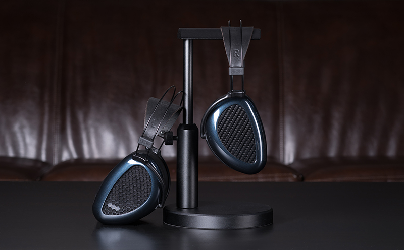 The MrSpeakers Aeon Flow headphones are available as an open or closed-back headphone. (Image source: MrSpeakers)