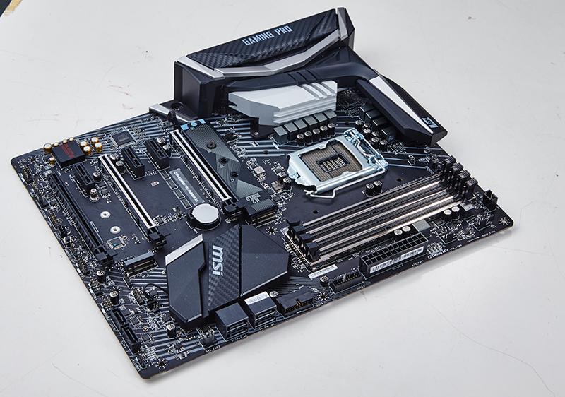 MSI Z370 Gaming Pro Carbon : Intel Z370 motherboard shootout