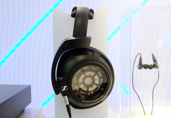 The HD 820 is Sennheiser's new flagship close-back headphone.