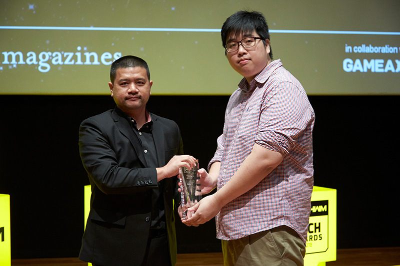 Local outfit Aftershock PC wins 2 awards: Editor's Choice for Best SFF Gaming Desktop and Readers' Choice for Best Gaming Desktop PC Brand. Accepting the trophy here is Mr. Marcus Wee, Managing Director and Founder of Afterchock PC.